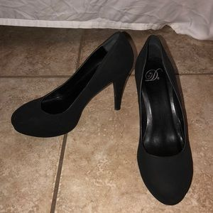 Shoes - Black Soft Suede 4 Inch Heels Size 9